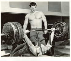 martin_poe_bench_press1